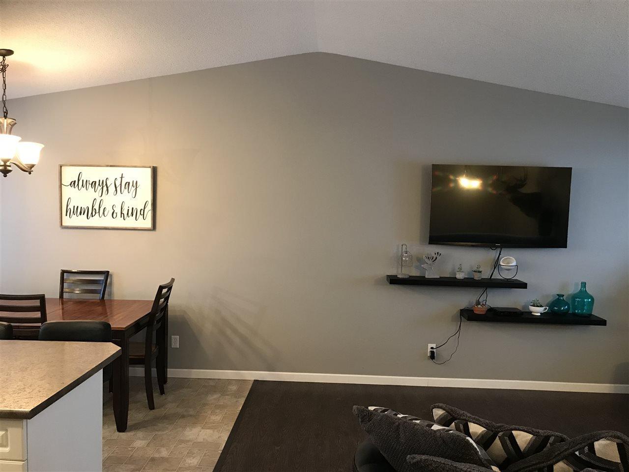 "Photo 5: Photos: 8724 114 Avenue in Fort St. John: Fort St. John - City NE House for sale in ""PANORAMA RIDGE"" (Fort St. John (Zone 60))  : MLS®# R2428633"