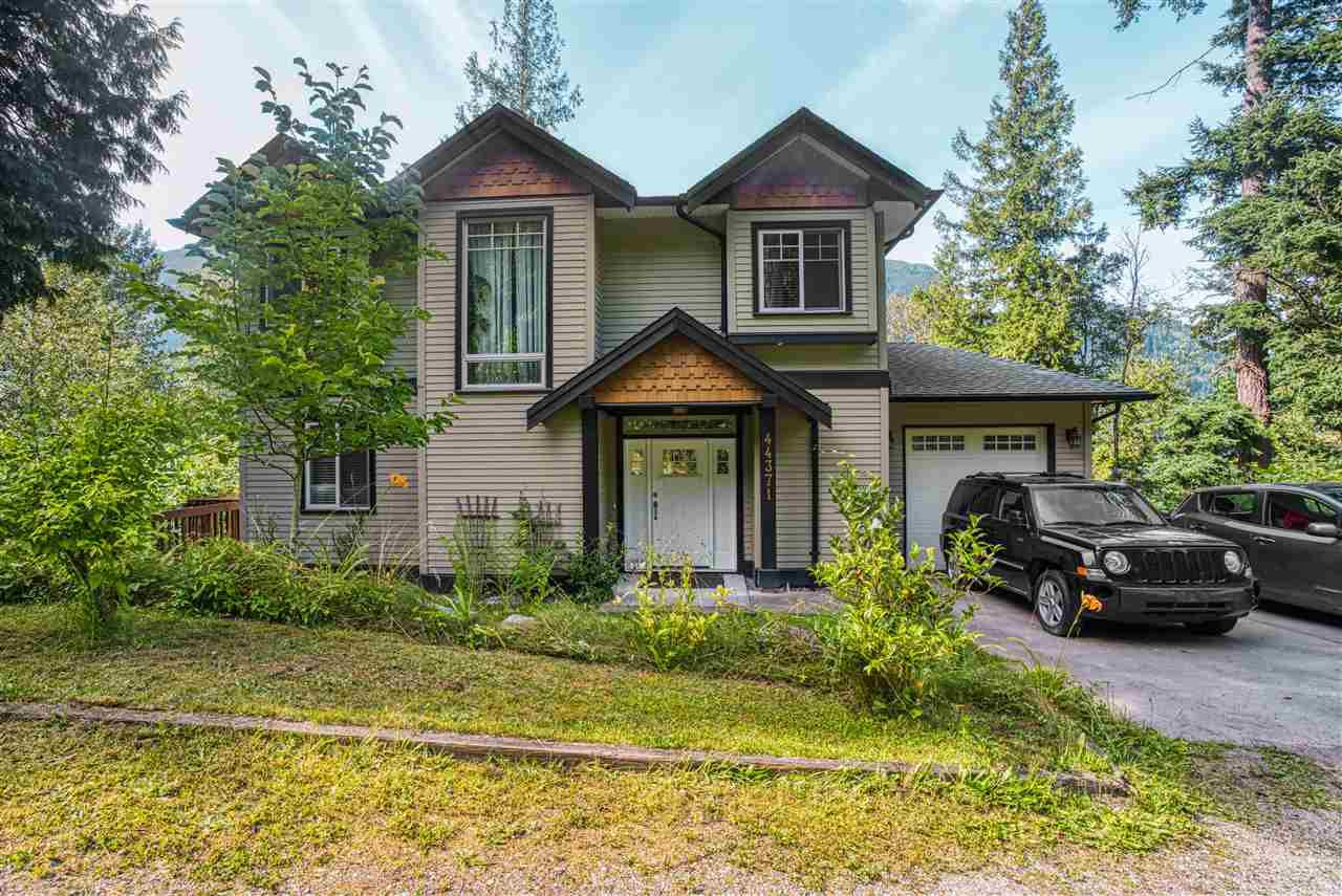 Main Photo: 44371 BAYVIEW Road in Mission: Lake Errock House for sale : MLS®# R2477483
