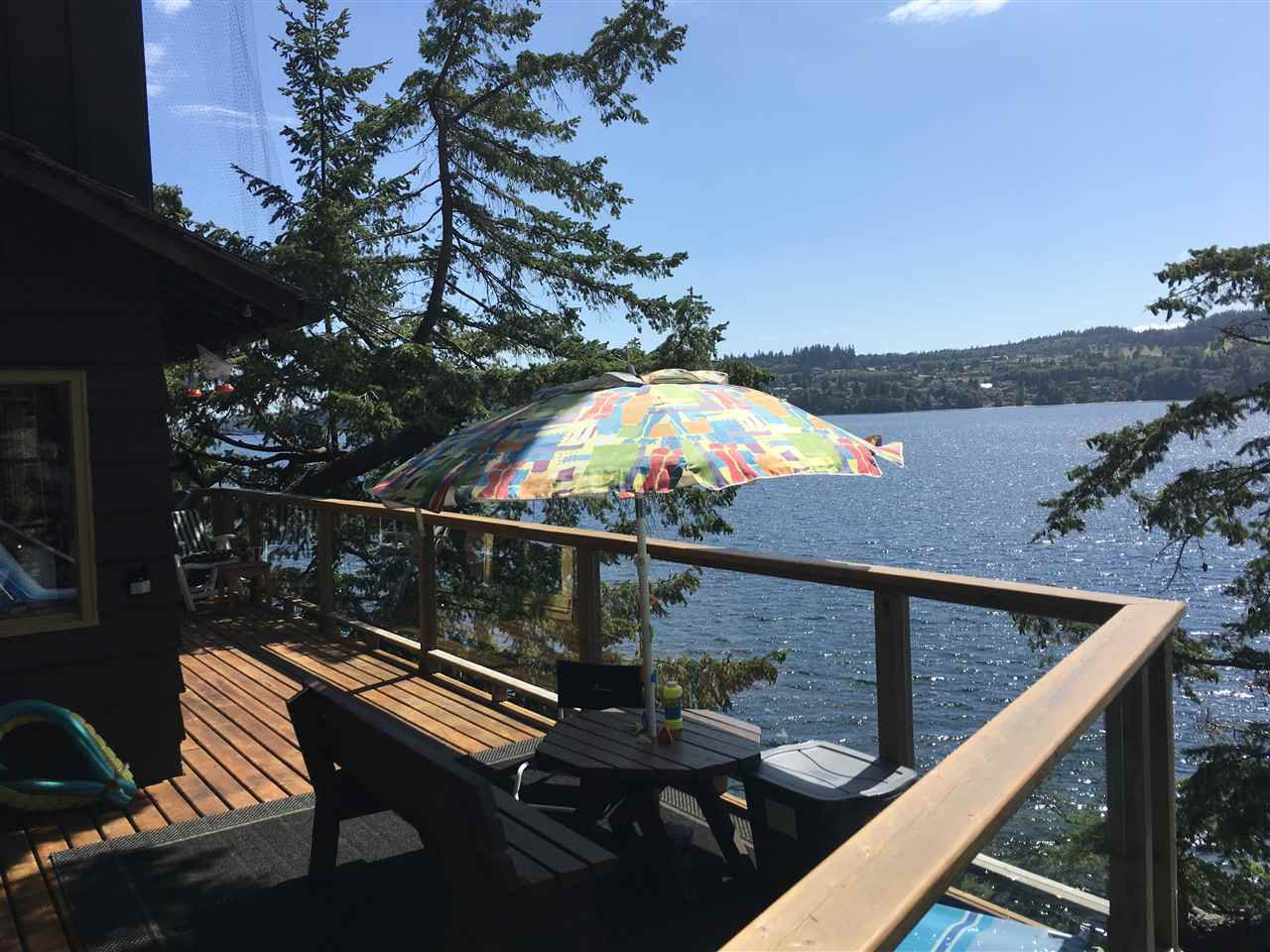 Main Photo: 6075 CORACLE Drive in Sechelt: Sechelt District House for sale (Sunshine Coast)  : MLS®# R2479637