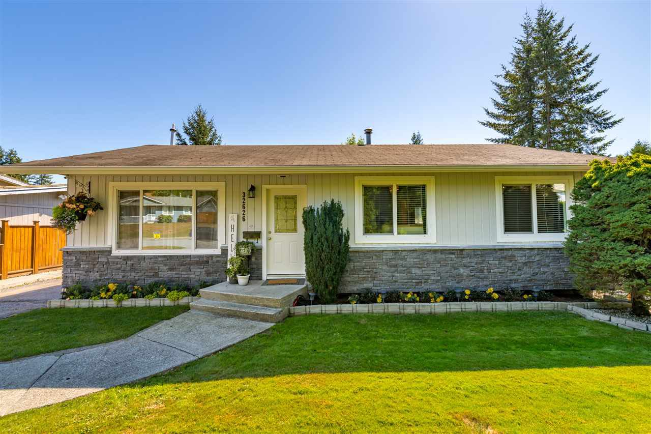 Main Photo: 32626 BADGER Avenue in Mission: Mission BC House for sale : MLS®# R2493289