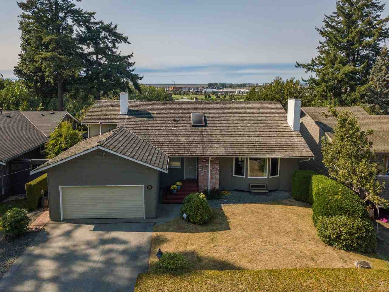 Main Photo: 5309 UPLAND Drive in Delta: Cliff Drive House for sale (Tsawwassen)  : MLS®# R2527108