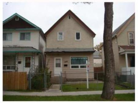 Main Photo: 735 TORONTO ST.: Residential for sale (West End)  : MLS®# 2919784