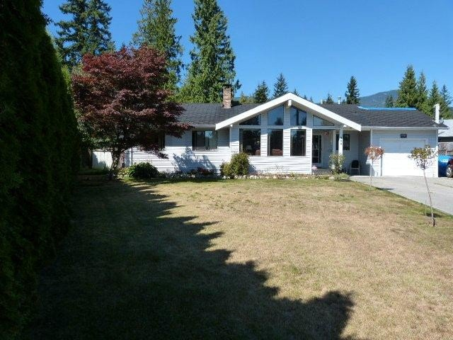 "Main Photo: 809 PLEASANT Place in Gibsons: Gibsons & Area House for sale in ""CREEKSIDE"" (Sunshine Coast)  : MLS®# V967446"