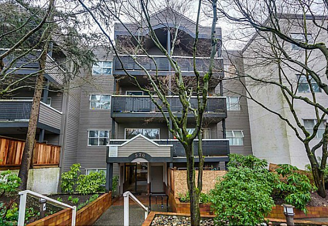 Main Photo: 204 570 E 8th Avenue in Vancouver: Mount Pleasant VE Condo for sale (Vancouver East)  : MLS®# V1105079