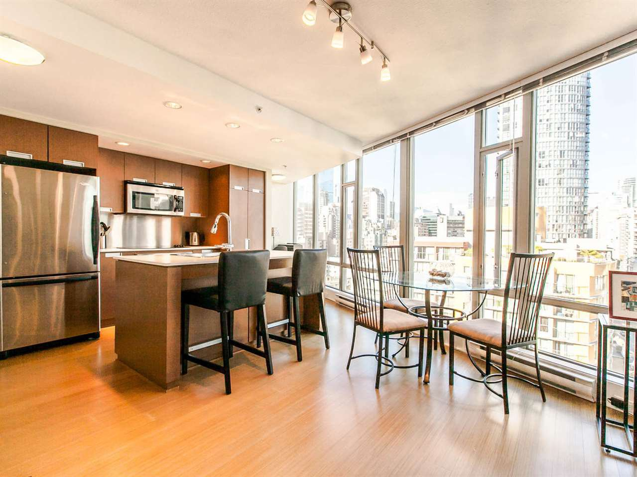 Main Photo: 1501 1255 SEYMOUR STREET in : Downtown VW Condo for sale : MLS®# R2095442