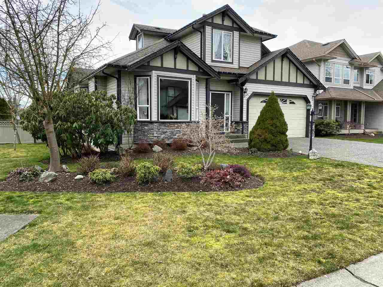 "Main Photo: 2837 BOXCAR Street in Abbotsford: Aberdeen House for sale in ""West Abby Station"" : MLS®# R2448925"