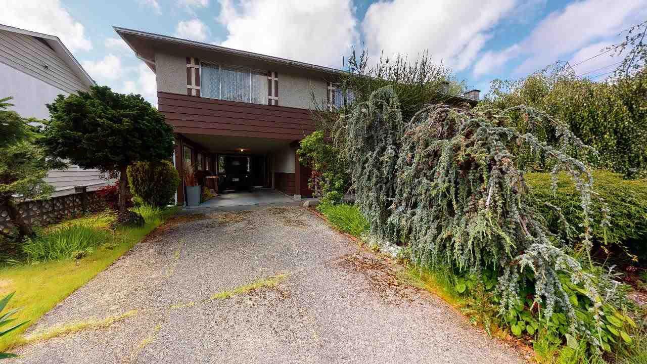 Main Photo: 5490 CHESTNUT Crescent in Delta: Delta Manor House for sale (Ladner)  : MLS®# R2463100