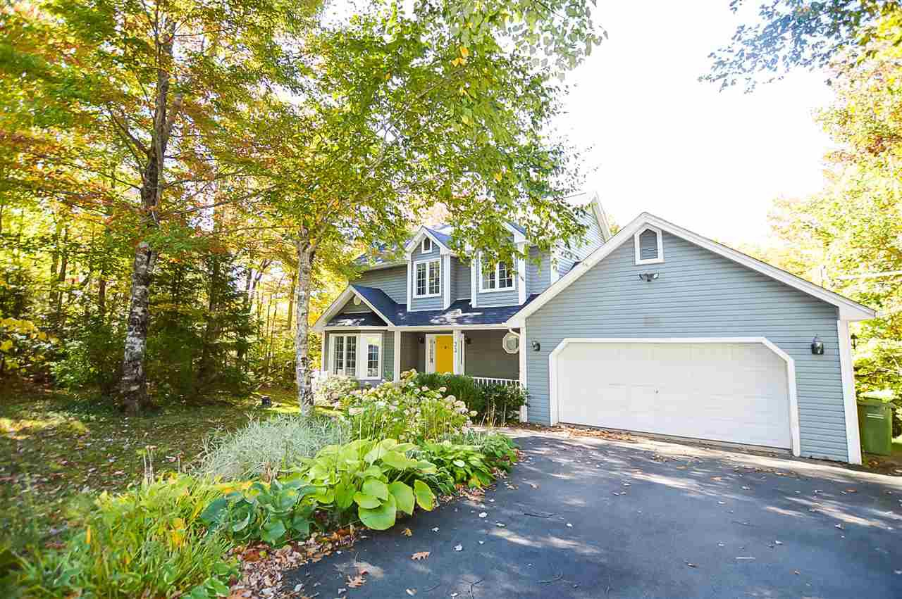 Main Photo: 33 Beech Hill Drive in Fall River: 30-Waverley, Fall River, Oakfield Residential for sale (Halifax-Dartmouth)  : MLS®# 202021328