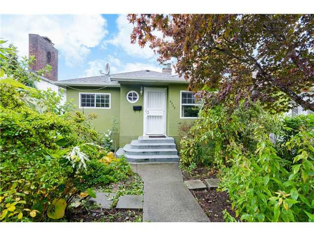 Main Photo: 4355 Nanaimo st in Vancouver: Collingwood VE House for sale (Vancouver East)  : MLS®# V1092613