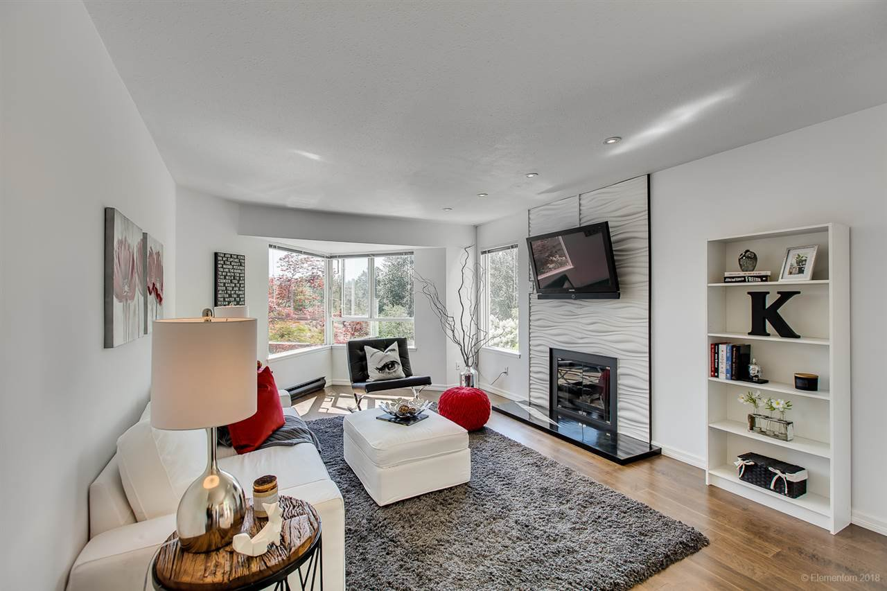 Main Photo: 419 1215 LANSDOWNE DRIVE in Coquitlam: Upper Eagle Ridge Townhouse for sale : MLS®# R2271531