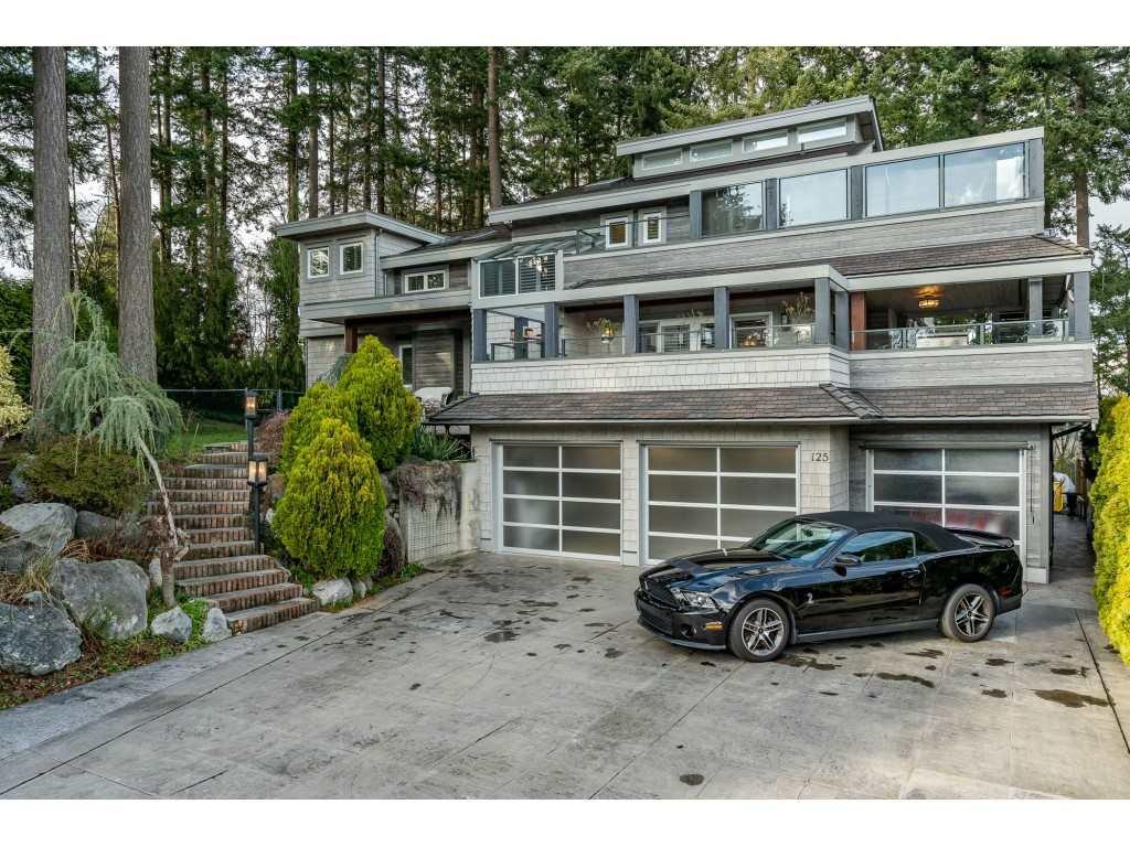 Main Photo: 125 S ALPENWOOD Lane in Delta: Tsawwassen East House for sale (Tsawwassen)  : MLS®# R2438319