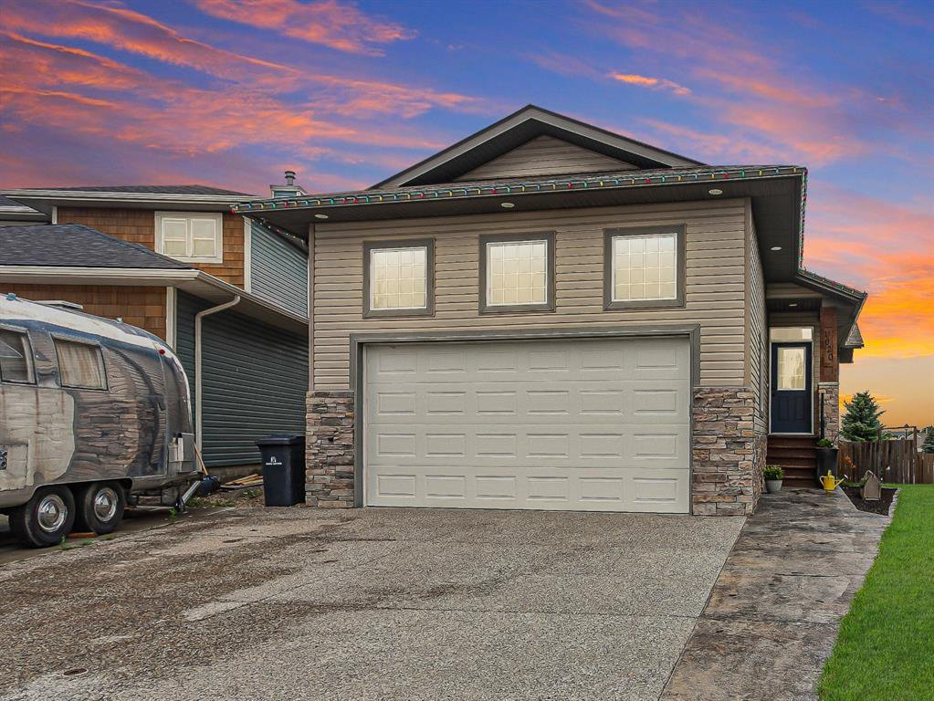 Main Photo: 1020 HIGHLAND GREEN Drive NW: High River Detached for sale : MLS®# A1017945