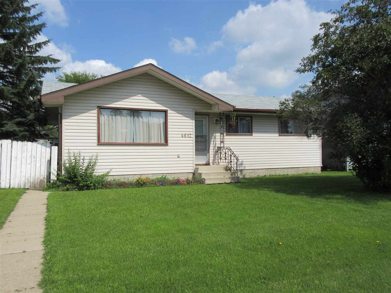 Main Photo: 4612 52 Avenue: Redwater House for sale : MLS®# E4213648