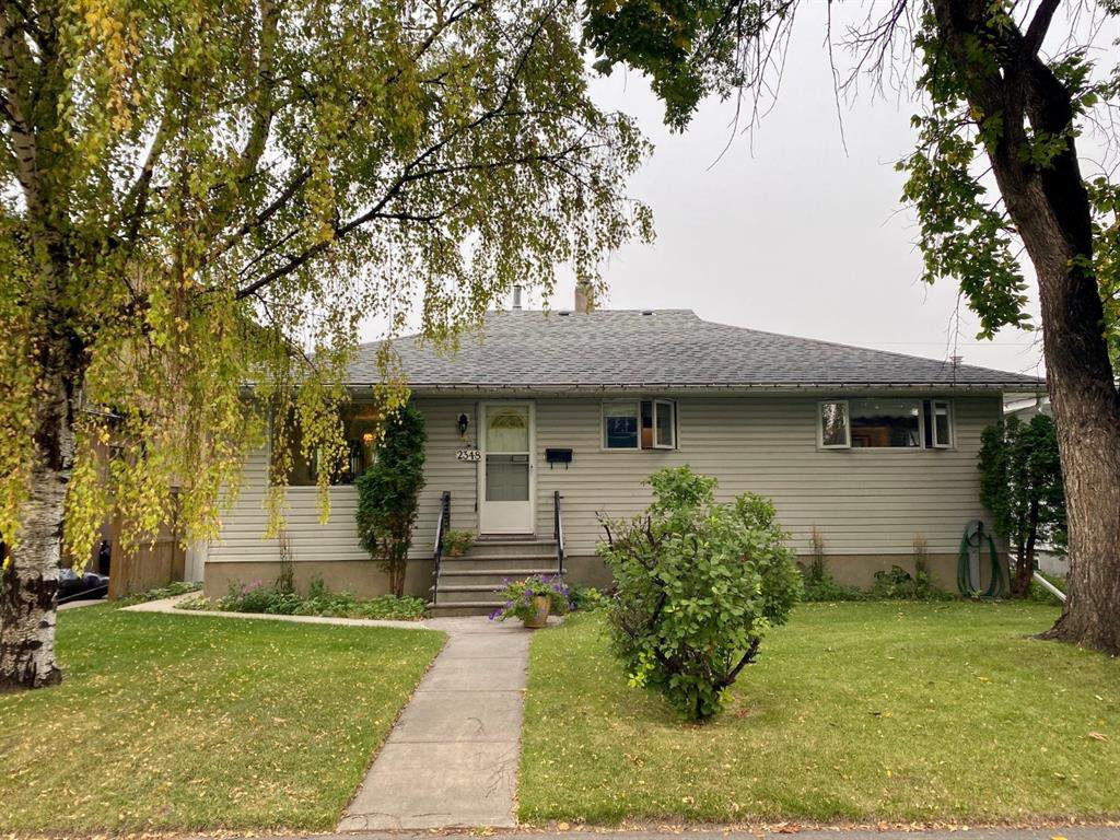 Main Photo: 2348 22 Street NW in Calgary: Banff Trail Detached for sale : MLS®# A1034693