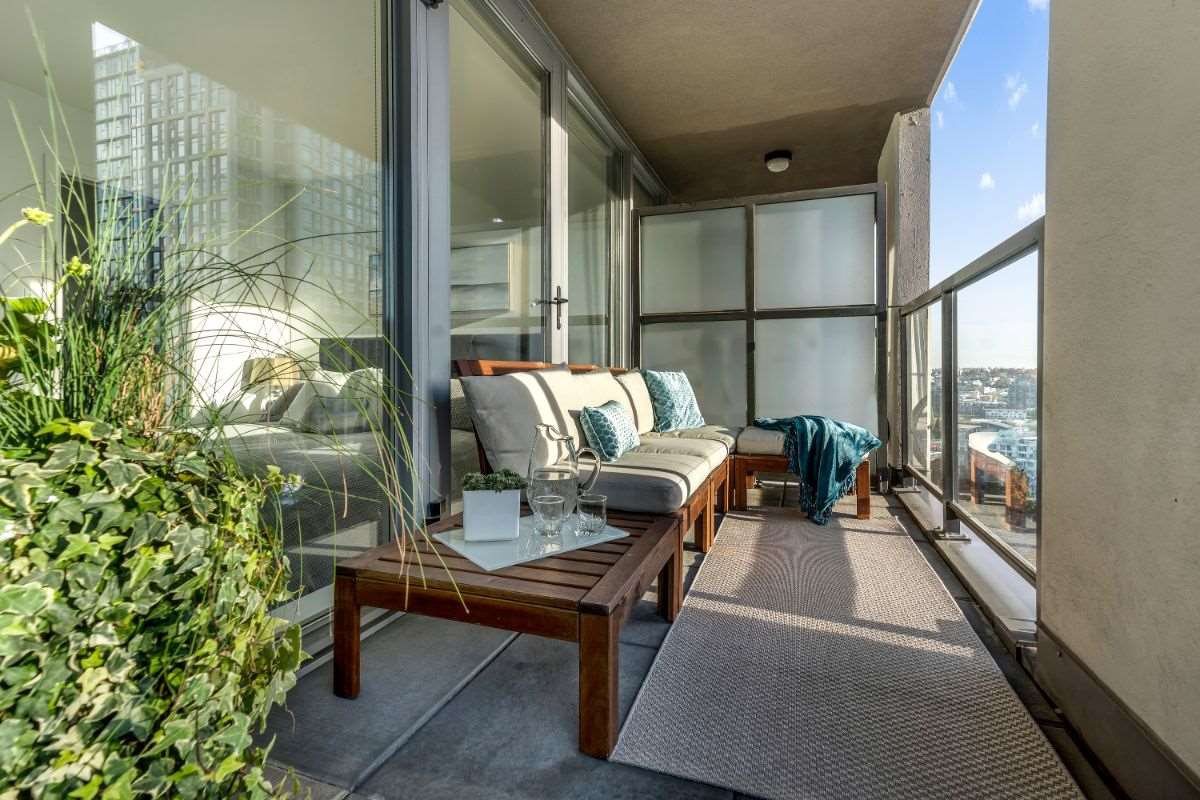 Main Photo: 1904 989 BEATTY STREET in Vancouver: Yaletown Condo for sale (Vancouver West)  : MLS®# R2514238