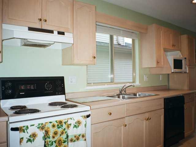Photo 4: Photos: 12167 MCMYN Avenue in Pitt Meadows: Mid Meadows 1/2 Duplex for sale : MLS®# V987029