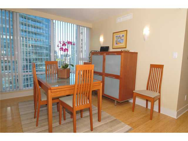 """Photo 7: Photos: 1504 590 NICOLA Street in Vancouver: Coal Harbour Condo for sale in """"Cascina"""" (Vancouver West)  : MLS®# V1009608"""