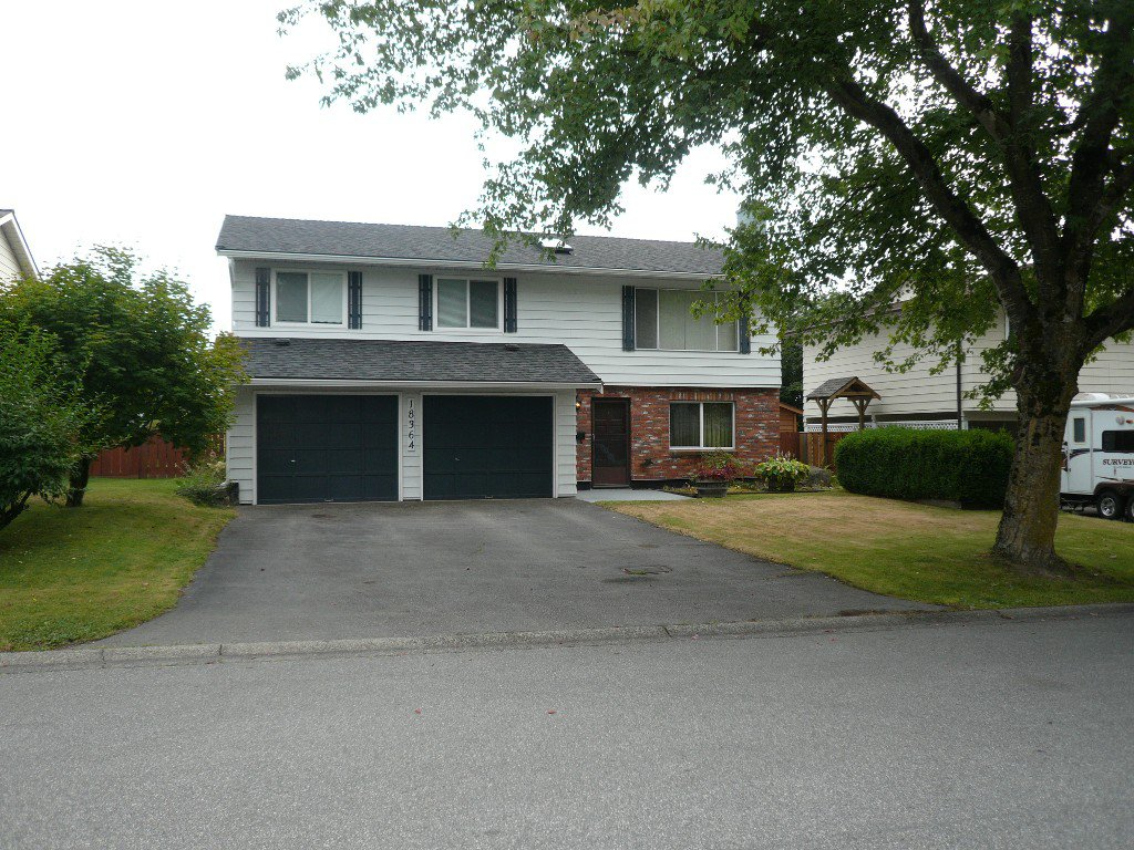 Photo 1: Photos: 18364 58B Avenue, Cloverdale in Cloverdale: House for sale : MLS®#  F1420180