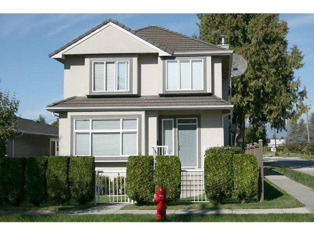 Main Photo: 395 E Woodstock Av in Vancouver: Main House for sale (Vancouver East)  : MLS®# V1105129