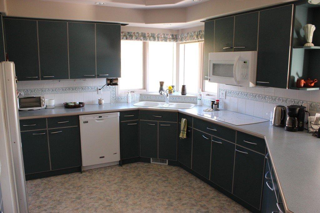 Photo 8: Photos: 617 Bissette Road in Kamloops: Westsyde House for sale : MLS®# 131131