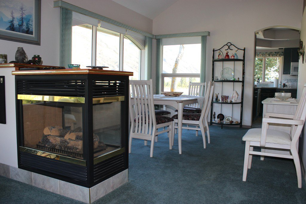 Photo 5: Photos: 617 Bissette Road in Kamloops: Westsyde House for sale : MLS®# 131131