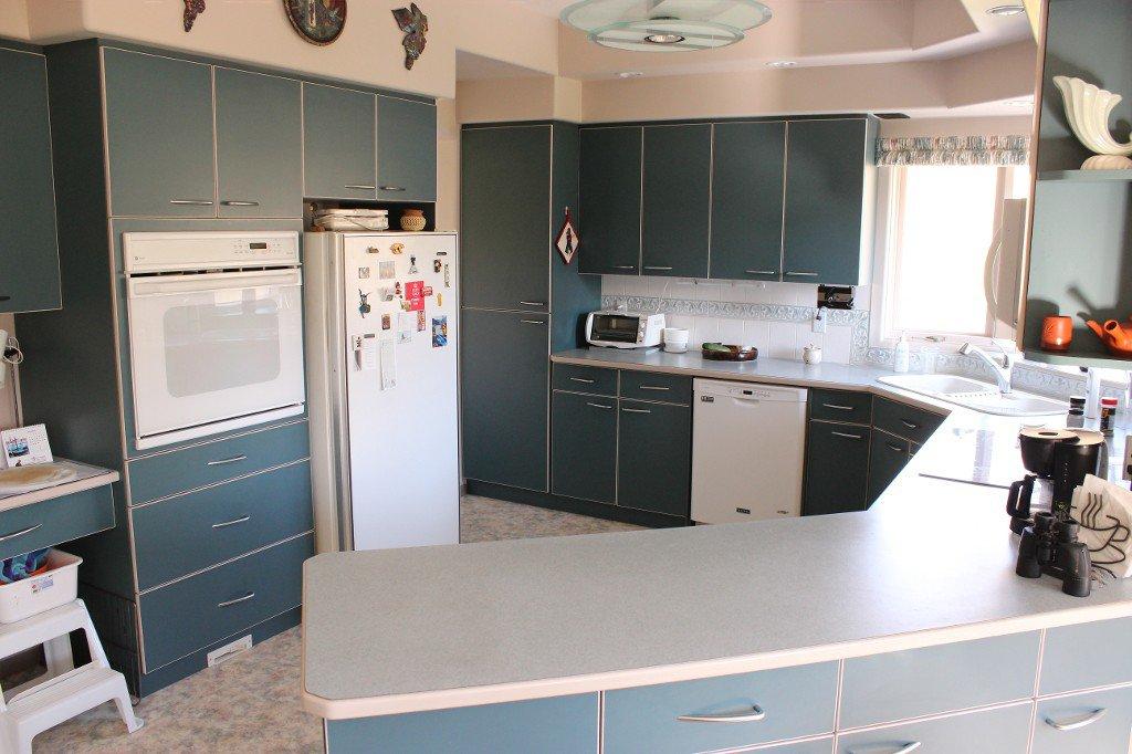 Photo 9: Photos: 617 Bissette Road in Kamloops: Westsyde House for sale : MLS®# 131131