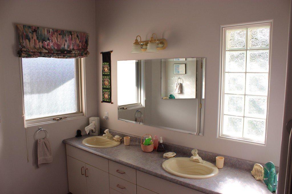 Photo 14: Photos: 617 Bissette Road in Kamloops: Westsyde House for sale : MLS®# 131131