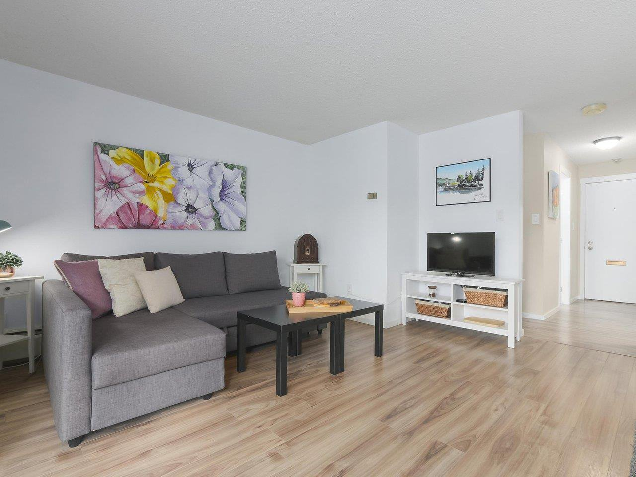 """Main Photo: 212 610 THIRD Avenue in New Westminster: Uptown NW Condo for sale in """"JAE MAR COURT"""" : MLS®# R2397804"""