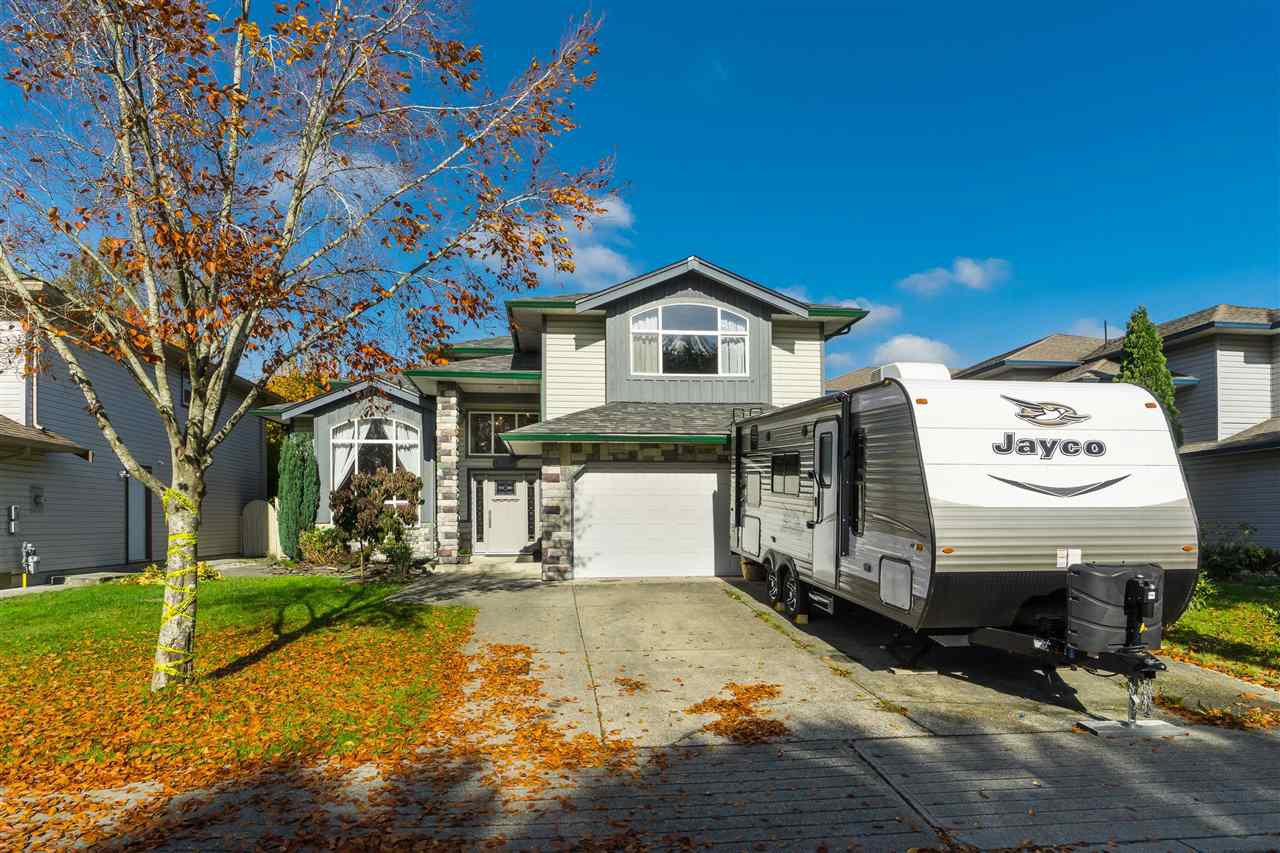 Main Photo: 23923 121 Avenue in Maple Ridge: East Central House for sale : MLS®# R2415031