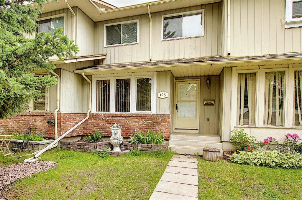 Main Photo: 125 MIDBEND Place SE in Calgary: Midnapore Row/Townhouse for sale : MLS®# A1018473