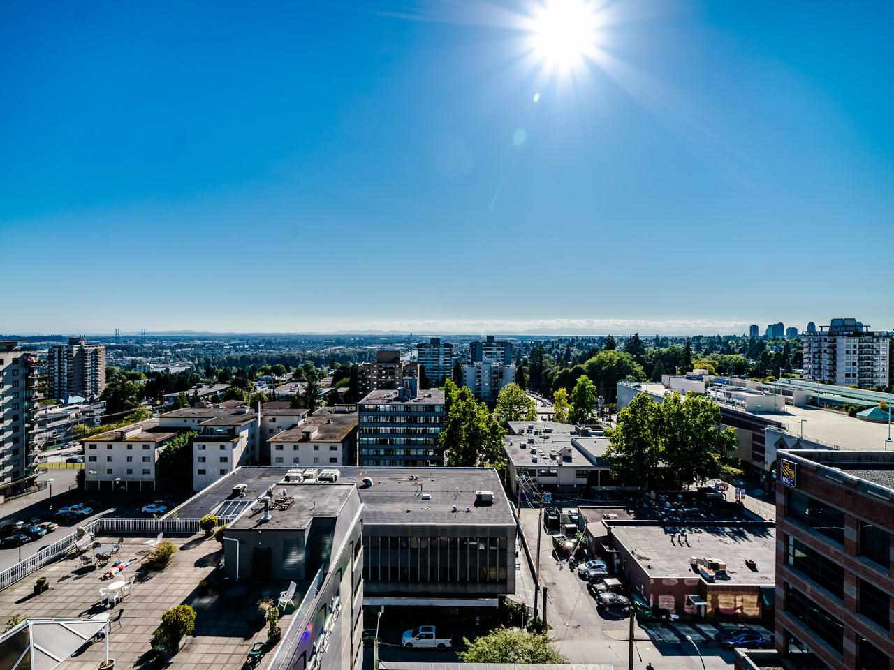 "Main Photo: 1201 615 BELMONT Street in New Westminster: Uptown NW Condo for sale in ""Belmont Towers"" : MLS®# R2491355"