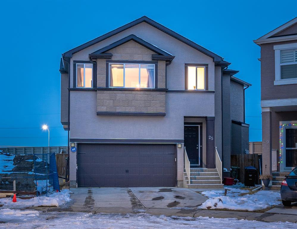 Main Photo: 25 COVECREEK Mews NE in Calgary: Coventry Hills Detached for sale : MLS®# A1048995