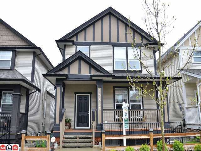 Main Photo: 18865 67A Avenue in Surrey: Clayton House for sale (Cloverdale)  : MLS®# F1210481