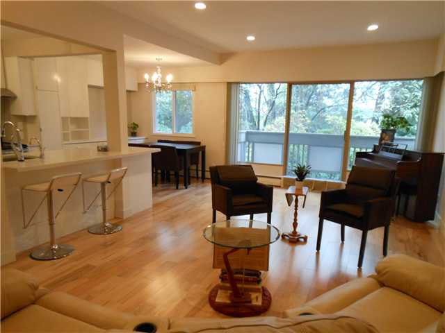 Main Photo: 8 5515 OAK Street in Vancouver: Shaughnessy Condo for sale (Vancouver West)  : MLS®# V978668