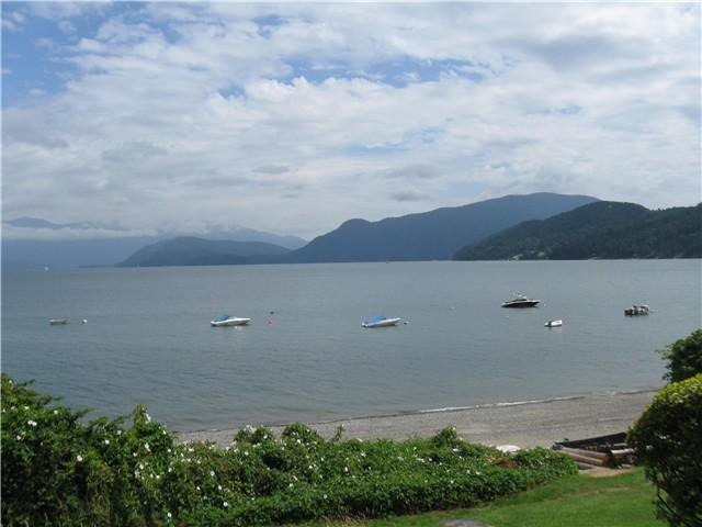 "Main Photo: 1106 POINT Road in Gibsons: Gibsons & Area House for sale in ""Hopkins Landing"" (Sunshine Coast)  : MLS®# V987108"