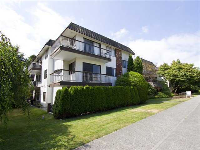 Main Photo: # 211 2040 CORNWALL AV in Vancouver: Kitsilano Condo for sale (Vancouver West)  : MLS®# V1018769