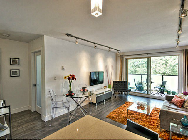 Photo 5: Photos: # 205 1864 FRANCES ST in Vancouver: Hastings Condo for sale (Vancouver East)  : MLS®# V1029328