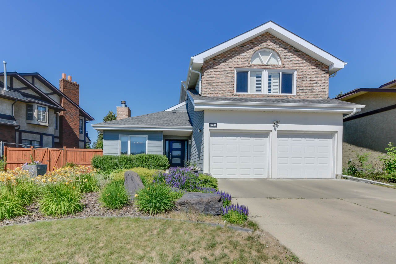 Main Photo: 17404 53 Avenue NW in Edmonton: gariepy House for sale