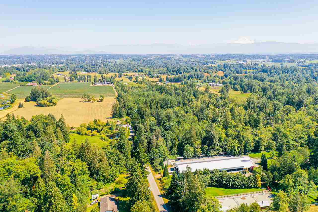 Main Photo: 2757 256 Street in Langley: Aldergrove Langley House for sale : MLS®# R2480649