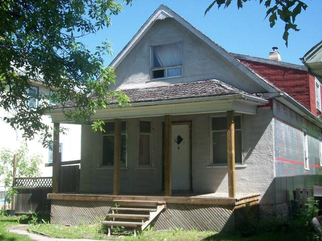 Main Photo: 681 St Johns Avenue in WINNIPEG: North End Residential for sale (North West Winnipeg)  : MLS®# 1211683