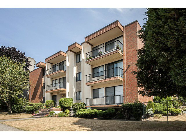 """Main Photo: 205 505 NINTH Street in New Westminster: Uptown NW Condo for sale in """"Fraser View Apartments"""" : MLS®# V1024071"""