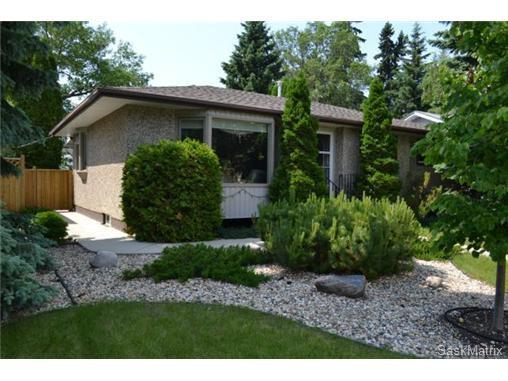 Main Photo: 1624 Sommerfeld Avenue in Saskatoon: Holliston Single Family Dwelling for sale (Saskatoon Area 02)  : MLS®# 504611