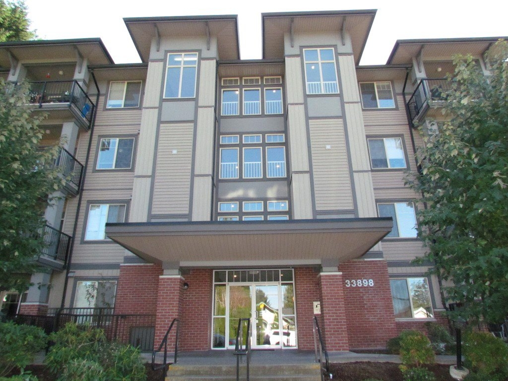 Main Photo: #210 33898 Pine St. in Abbotsford: Central Abbotsford Condo for rent