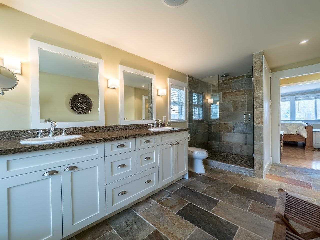 Photo 16: Photos: 345 BEACHVIEW DRIVE in North Vancouver: Dollarton House for sale : MLS®# R2035403