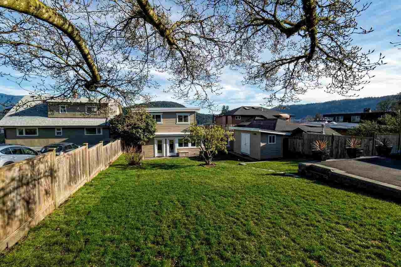 Photo 20: Photos: 345 BEACHVIEW DRIVE in North Vancouver: Dollarton House for sale : MLS®# R2035403