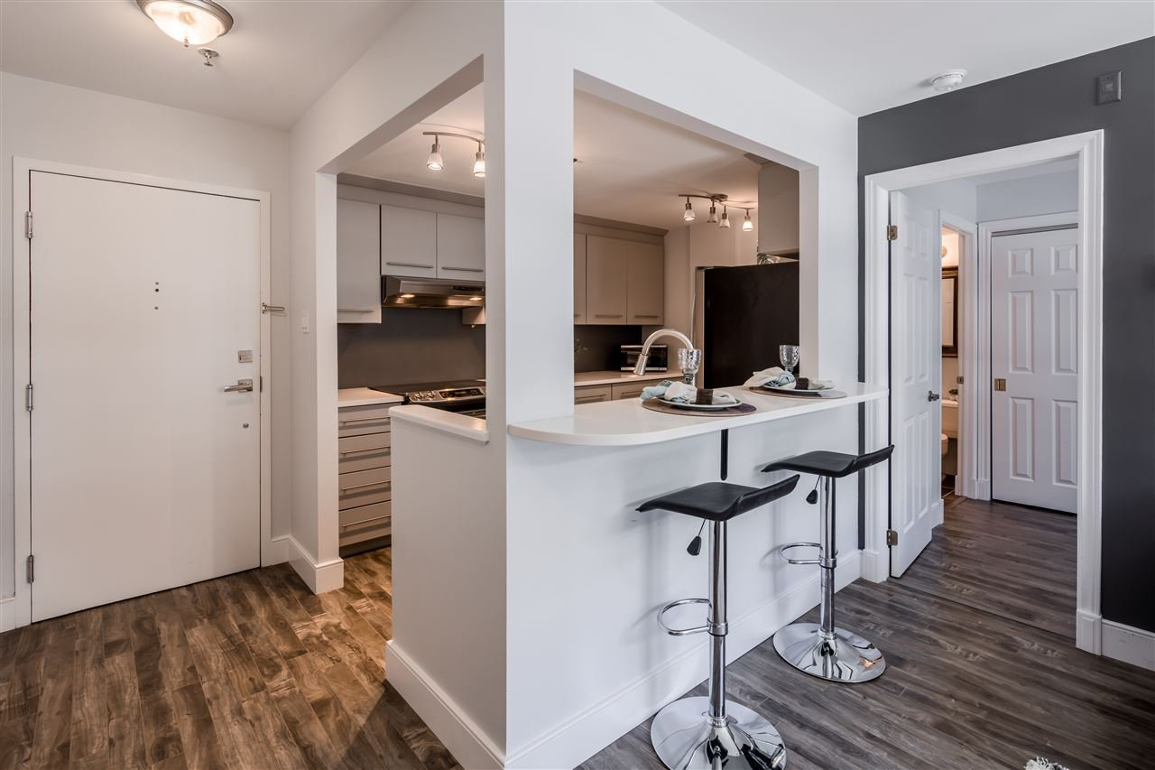 Main Photo: 303 1454 Dresden Row in Halifax: 2-Halifax South Residential for sale (Halifax-Dartmouth)  : MLS®# 202007955