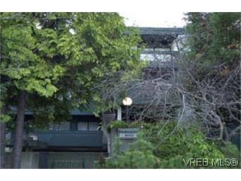 Main Photo: 315 2022 Foul Bay Rd in VICTORIA: Vi Fairfield East Condo Apartment for sale (Victoria)  : MLS®# 299634