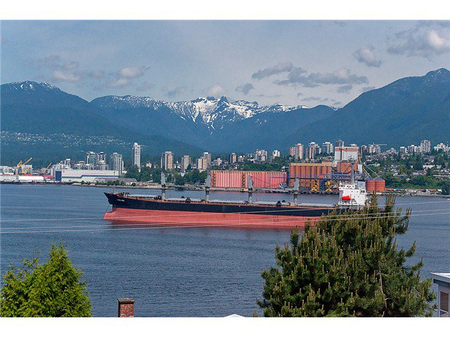 "Photo 1: Photos: # 416 2366 WALL ST in Vancouver: Hastings Condo for sale in ""LANDMARK MARINER"" (Vancouver East)  : MLS®# V1010845"