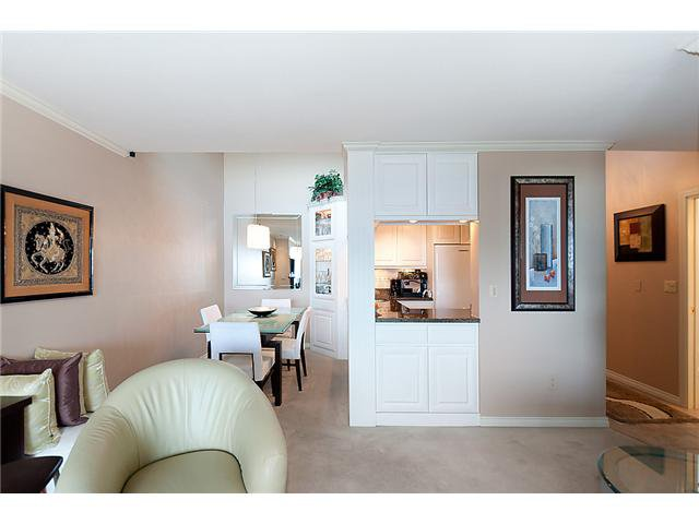 "Photo 4: Photos: # 416 2366 WALL ST in Vancouver: Hastings Condo for sale in ""LANDMARK MARINER"" (Vancouver East)  : MLS®# V1010845"
