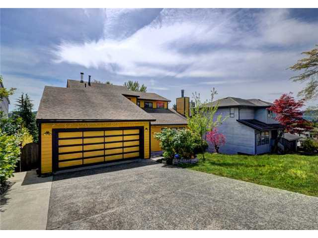 Main Photo: 2562 STEEPLE CT in Coquitlam: Upper Eagle Ridge House for sale : MLS®# V1061453